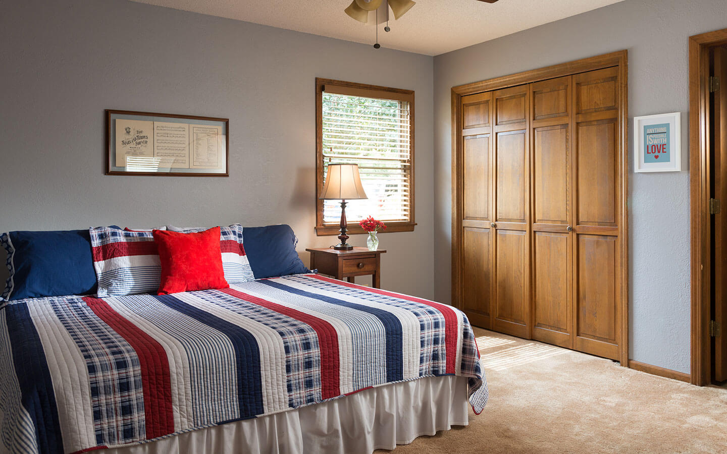Kansas City Area Bed and Breakfast - Brotherly Love room