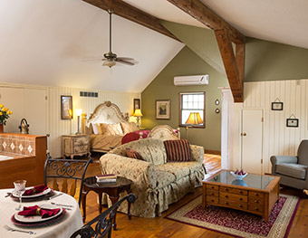 Bed and Breakfast near Kansas City - Tuscan Manor Suite