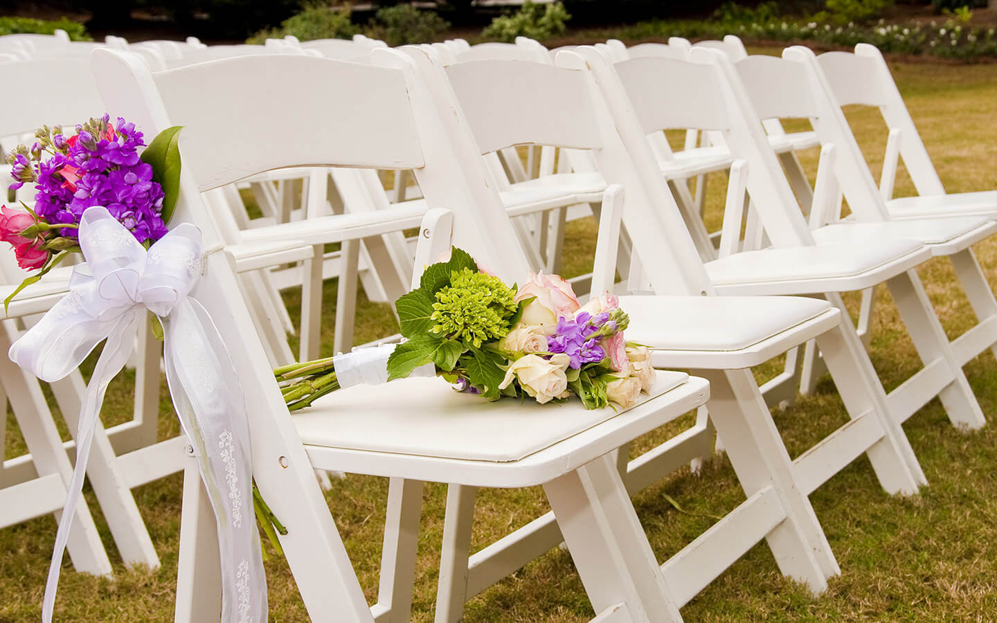 Romantic Outdoor Kansas Weddings