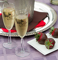 Champagne and strawberries for a unique country proposal