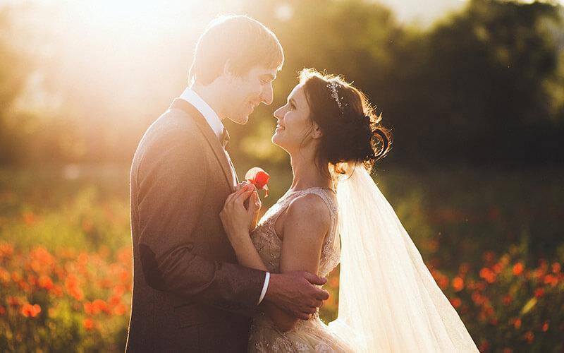 Bride and groom eloping in Kansas